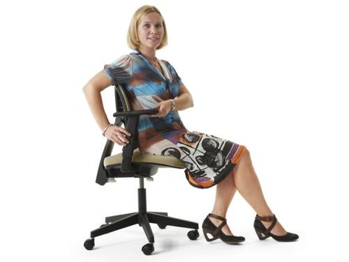 A megfelelő ergonomikus irodaszék kiválasztása Irodabútor